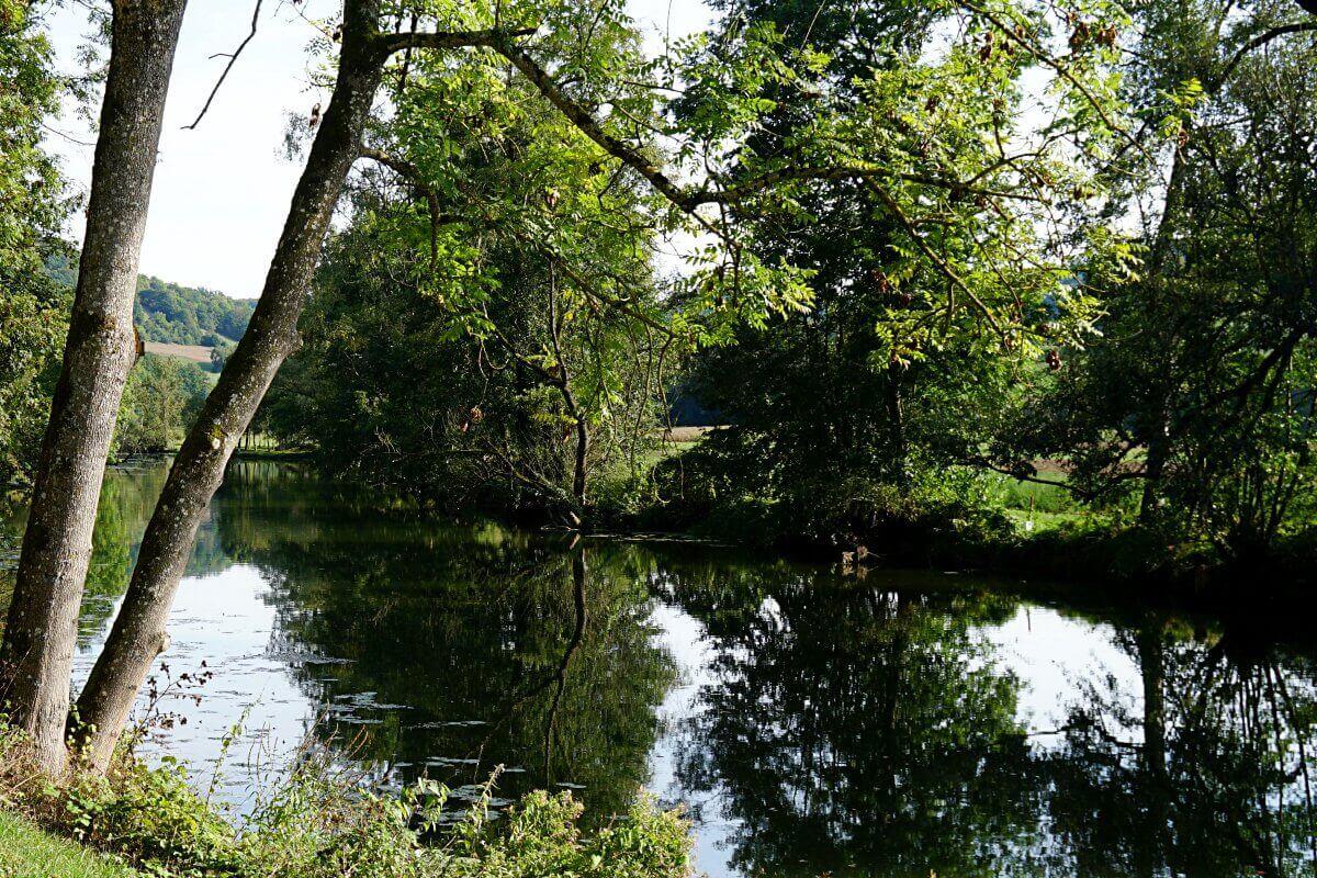 Jagst bei Langenburg auf dem Pfad der Stille in Hohenlohe