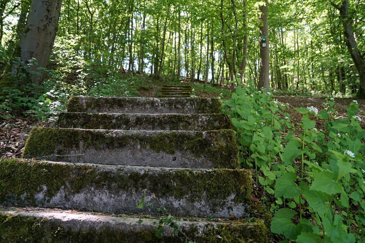 Die Staeffele fuehren von Doerzbach nach Messbach