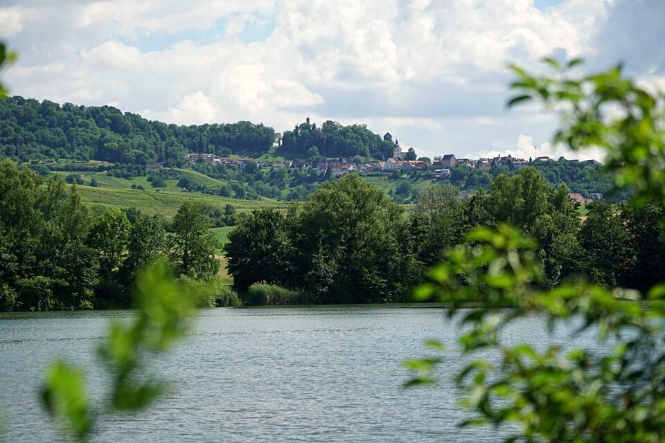 Blick auf Loewenstein vom Breitenauer See