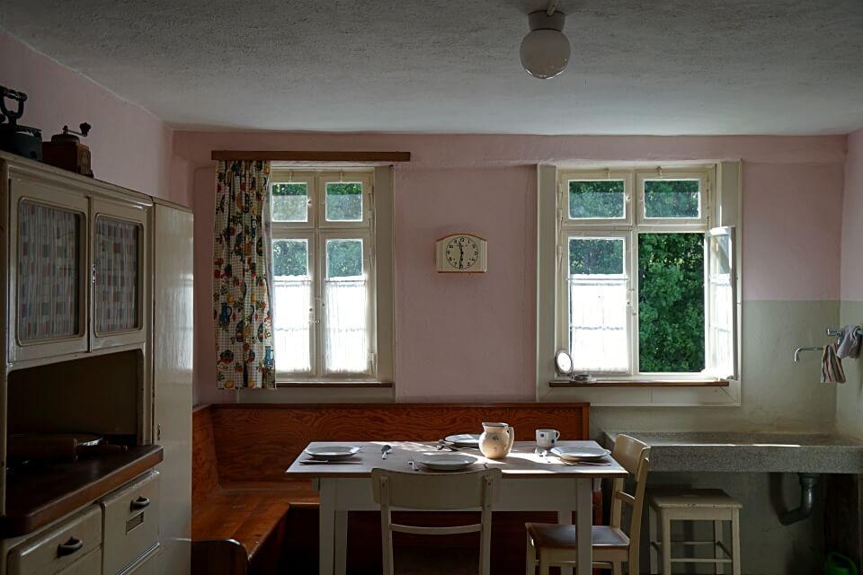 Kueche im Forsthaus Joachimstal im Freiluftmuseum Wackershofen