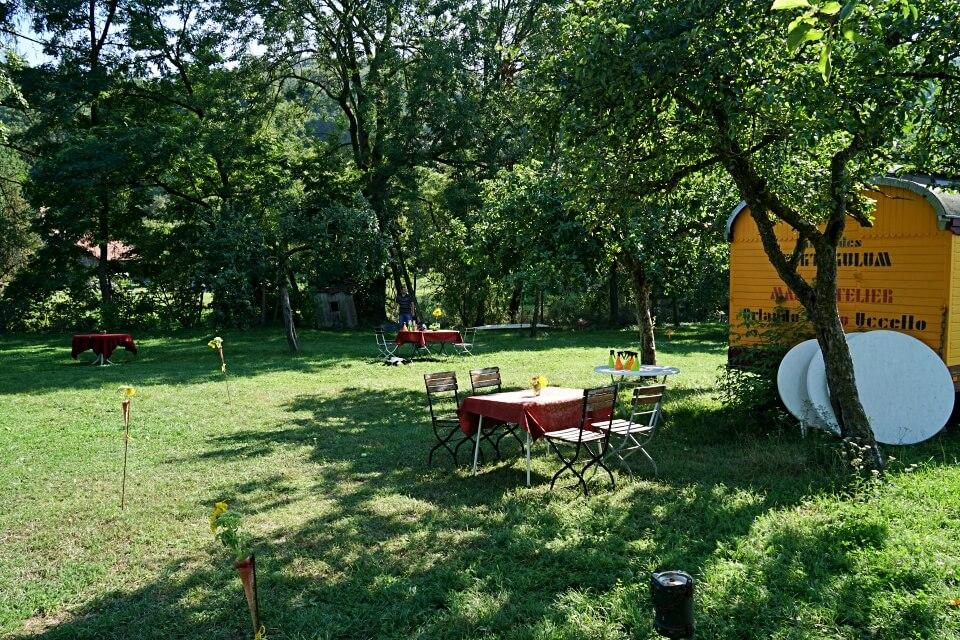 Wiese auf dem Hofcafe der Jagsttalranch Gerabronn in Hohenlohe