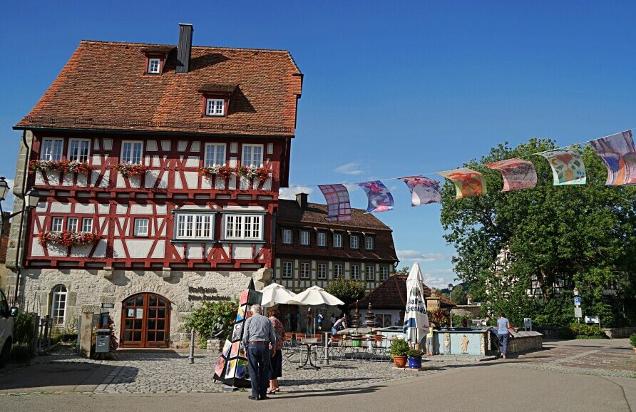 Marktplatz und Marktbrunnen Vellberg