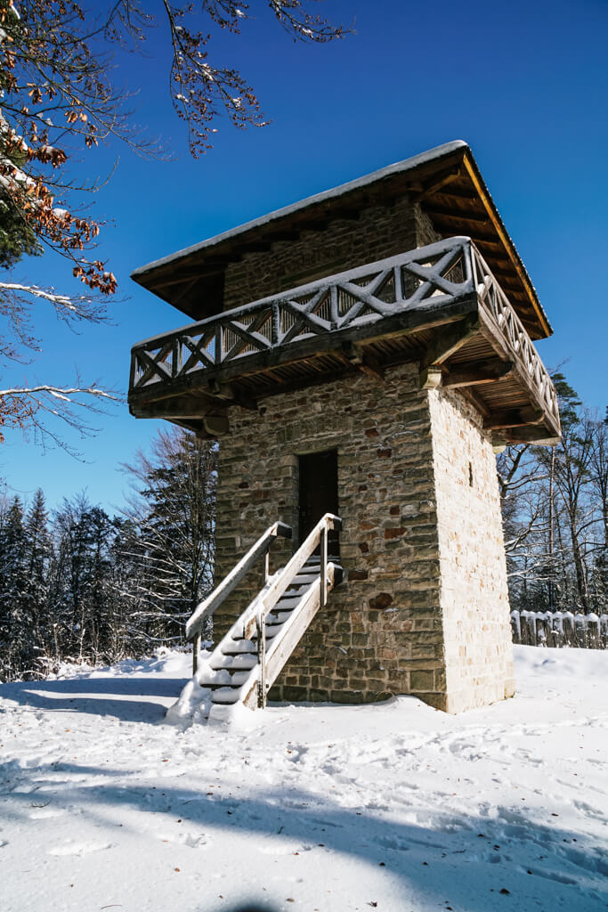 Limesturm am Heidenbuckel in Grab beim Wandern um Grosserlach