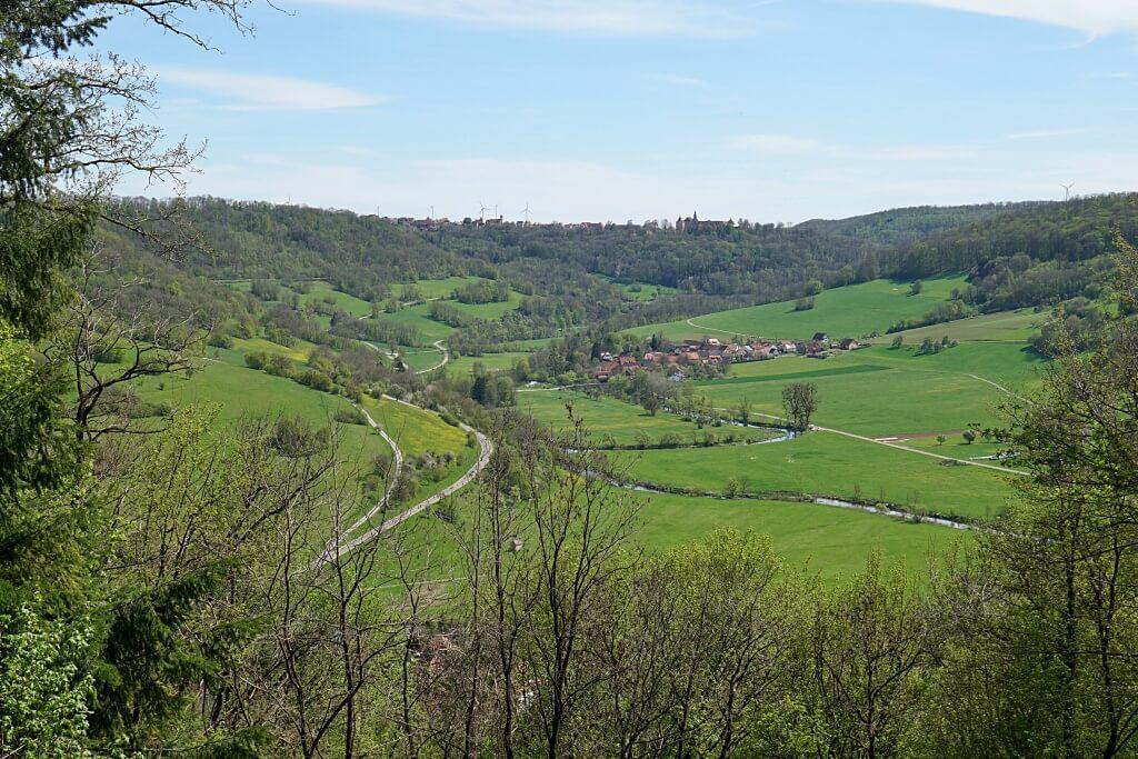 Ausblick von der Hedwigsbank bis Langenburg