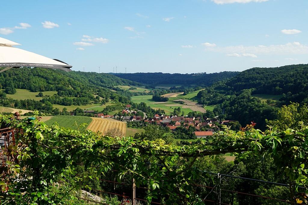 Ausblick vom Schlosscafe Langenburg auf das Jagsttal